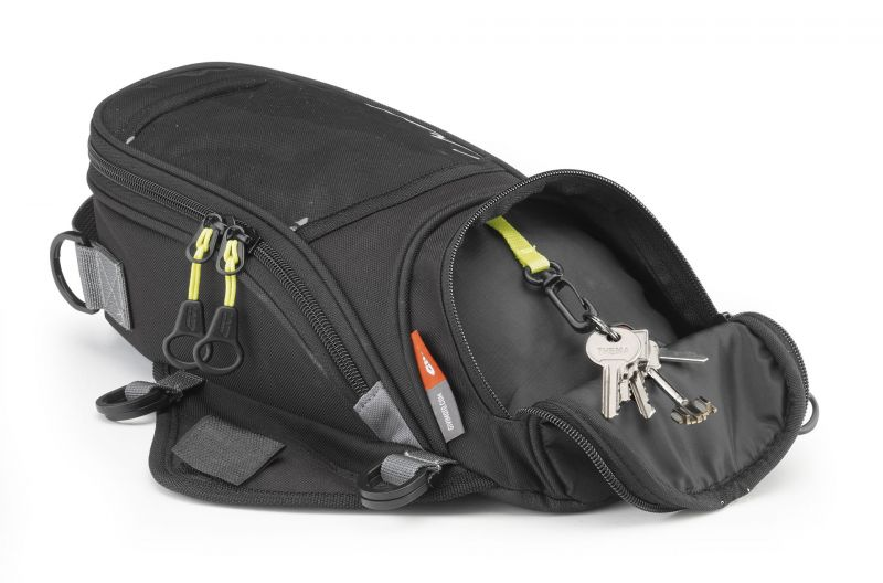 sacoche de r servoir givi easy ea106b pi ces bagagerie sur la b canerie. Black Bedroom Furniture Sets. Home Design Ideas