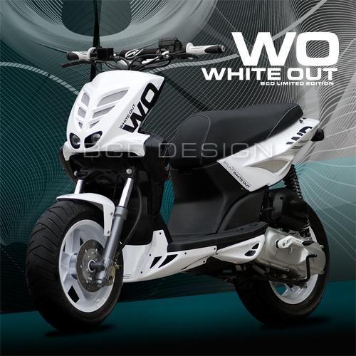 kit habillage bcd white out stunt pi ces car nage sur la b canerie. Black Bedroom Furniture Sets. Home Design Ideas