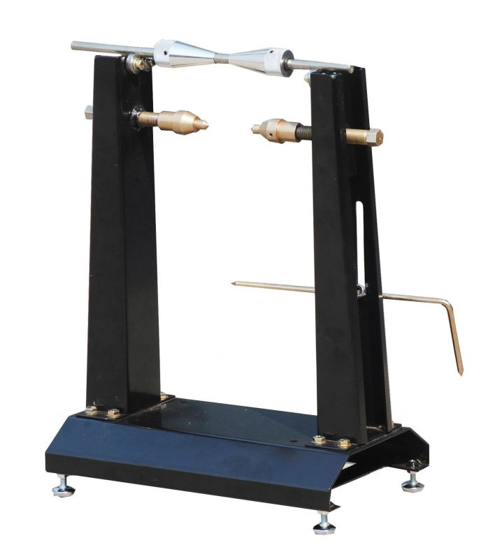 quilibreuse statique pneus outillage main sur la b canerie. Black Bedroom Furniture Sets. Home Design Ideas