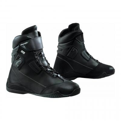 Baskets moto cuir Tribe Hdry® WP noir