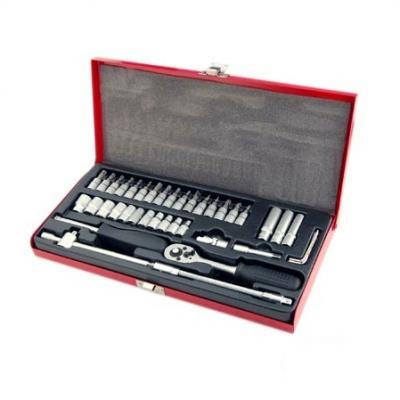 Coffret 40 pièces de Douilles Chrome/Vanadium et outils.