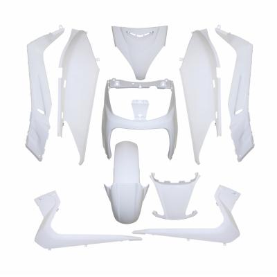 Kit carrosserie 10 pièces blanc brillant adaptable X-max/Skycruiser 2006>2009