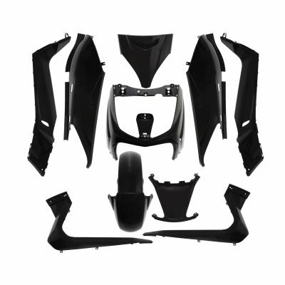 Kit carrosserie 10 pièces noir brillant adaptable X-max/Skycruiser 2006>2009