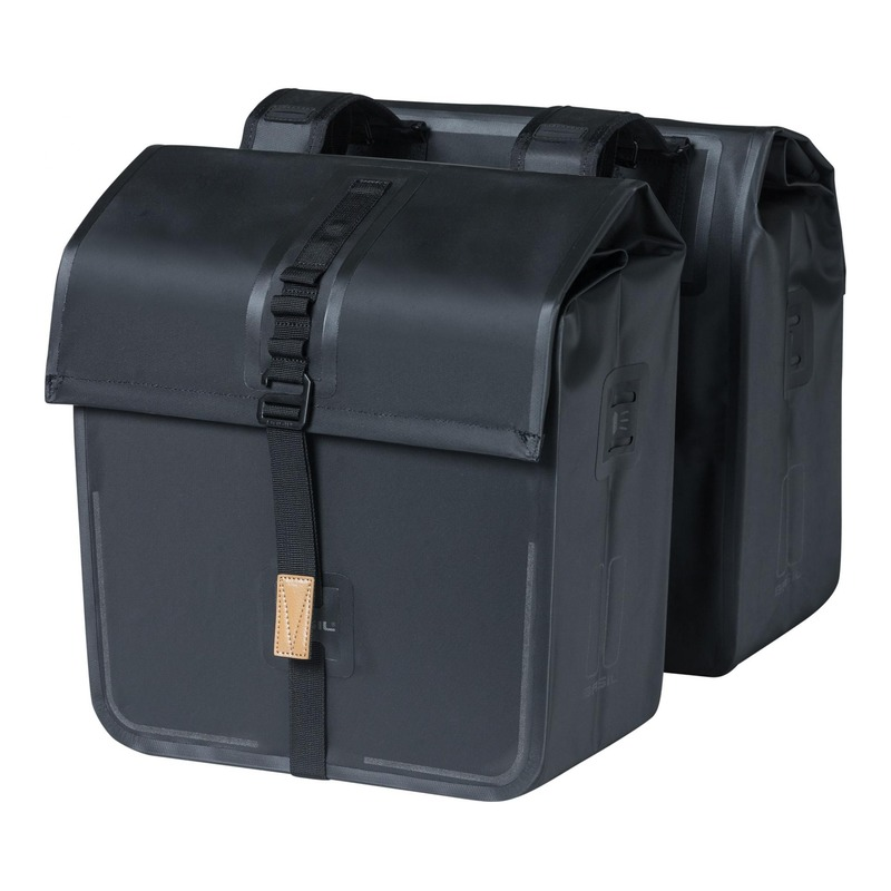 Sacoches latérales arrière vélo Basil Urban Dry 50 Litres noir
