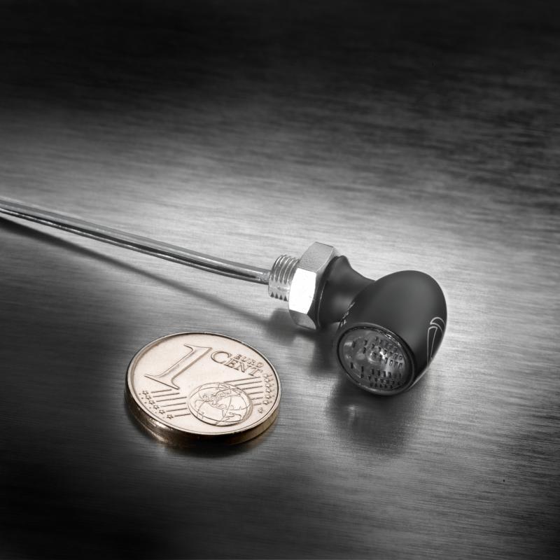 Mini feu arrière Kellermann Atto noir verre fumé montage horizontale - 1