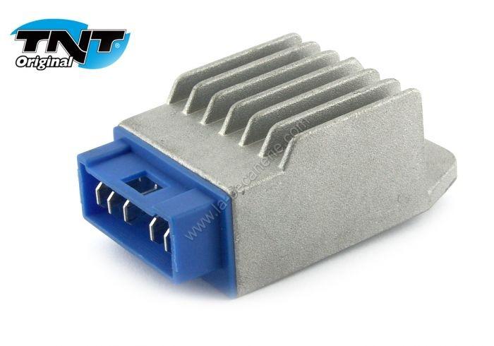 regulateur-de-tensi-3a71bed7043254fc235e2a8584e84b2a.jpg