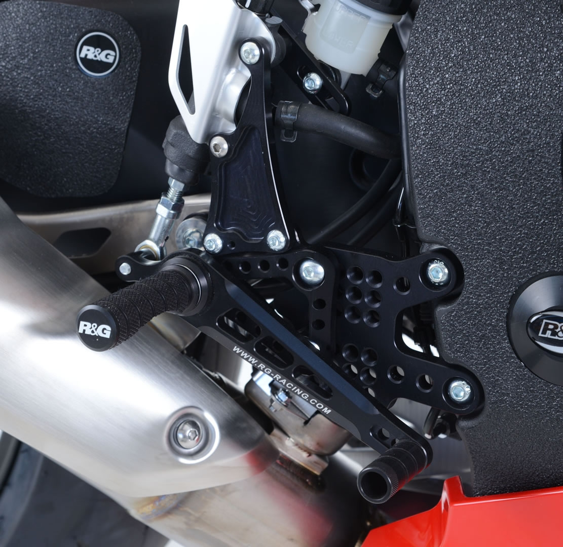 Commandes reculées R&G Racing noir Honda CBR 1000 RR 08-16