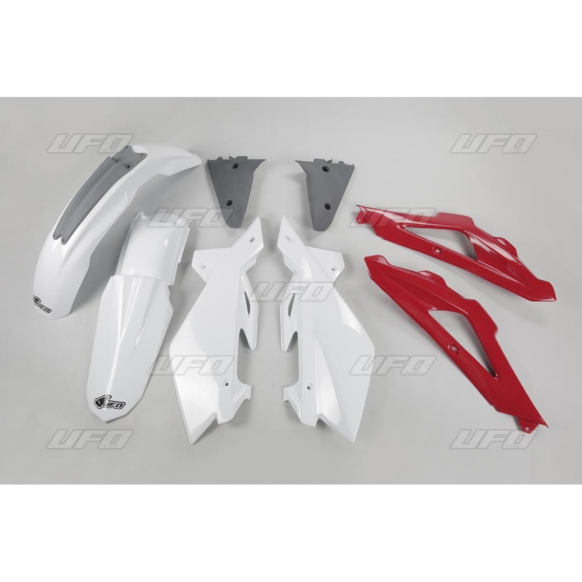 Kit plastique UFO Husqvarna 250 TC 2006 rouge/blanc/gris (couleur orig