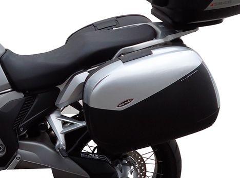 Kit fixation sacoche Side Master SHAD Honda Crosstourer 1200 12-16